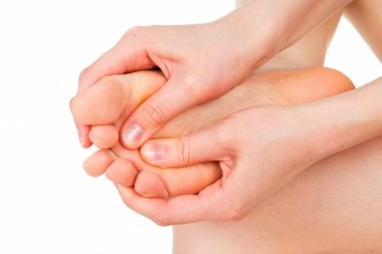 a varikózis lábainak bőrének sötétedése)