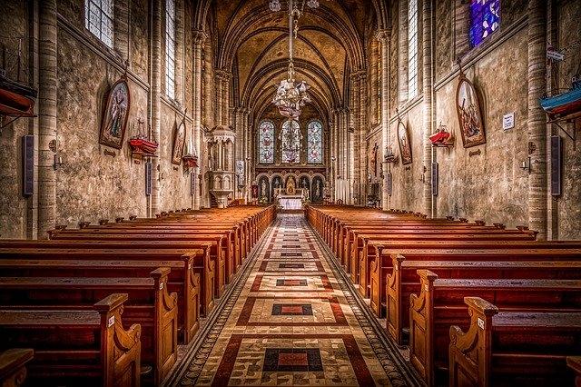 visszér a templomban feküdj felemelt lábakkal a visszérben