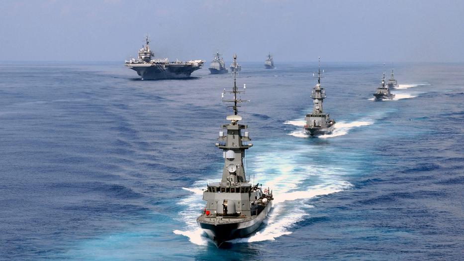 Index - Tudomány - A világ legmenőbb parkolói: az amerikai haditengerészet repülőgép-hordozói
