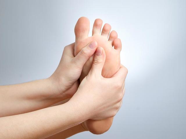 Gimnasztika a lábakon varikózus vénákkal - Dystonia September