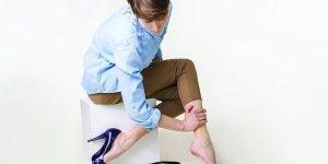 Az ülő- vagy állómunka okozta visszér és nyirokkerengési problémák kezelése hullámmasszázzsal